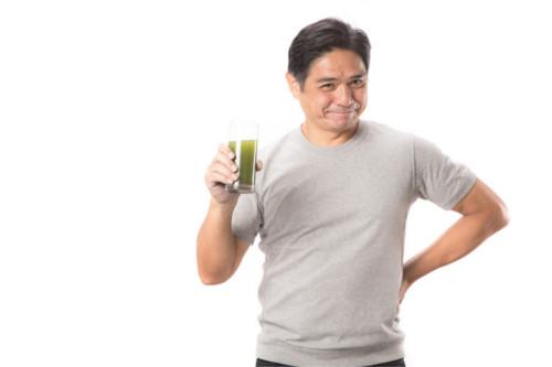 お父さんと青汁