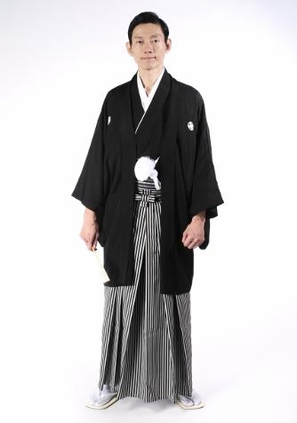 紋付羽織袴の男性