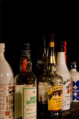 棚に並べられたボトル